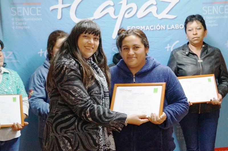 Emprendedoras de Freirina aprenden a potenciar sus negocios gracias a Programa +Capaz del Sence